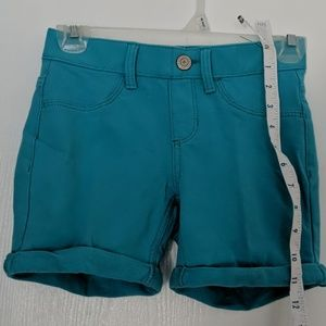 SO BRAND GIRLS SIZE 10 TURQUOISE PULL ON SHORTS
